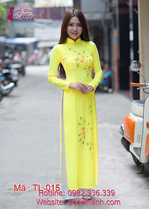 Áo dài vàng thêu hoa cổ truyền thống tay dài