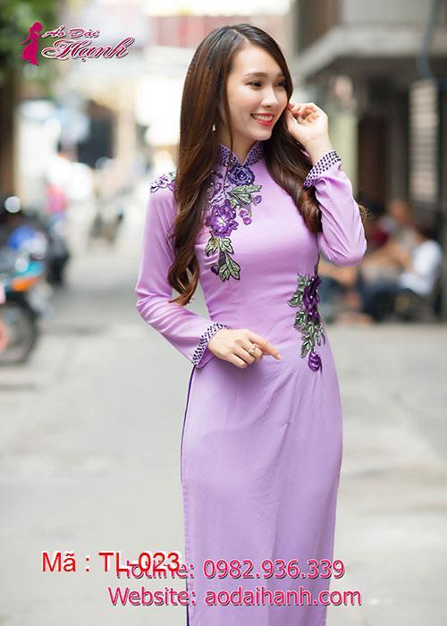 Áo dài tím môn chiffon đính hoa nổi 3D cổ truyền thống tay dài