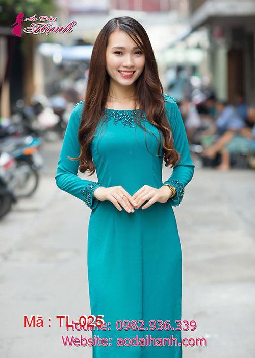 Áo dài xanh lý chiffon đính pha lê cổ thuyền tay dài