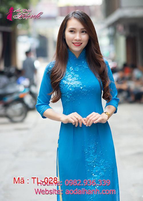 Áo dài xanh dương chiffon đắp hoa cổ truyền thống tay lỡ