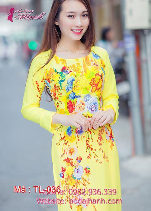 Áo dài vàng lụa in hoa cổ thuyền tay dài