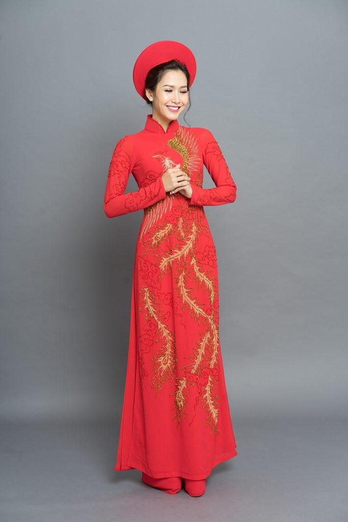 áo cưới màu đỏ tay dài