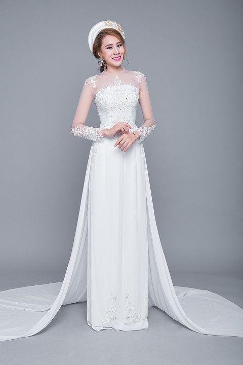 áo dài màu trắng đính đá đơn giản