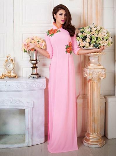 áo dài cưới hồng thêu hoa