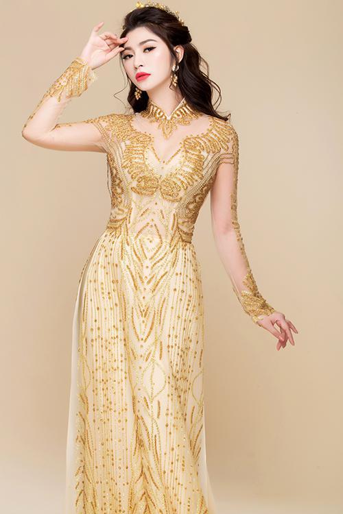 áo dài màu vàng kim đồng