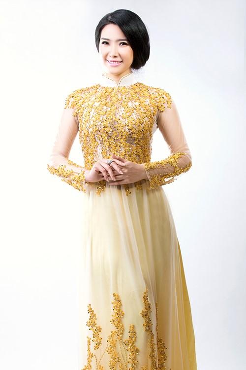 áo dài cặp chú rể cô dâu màu vàng