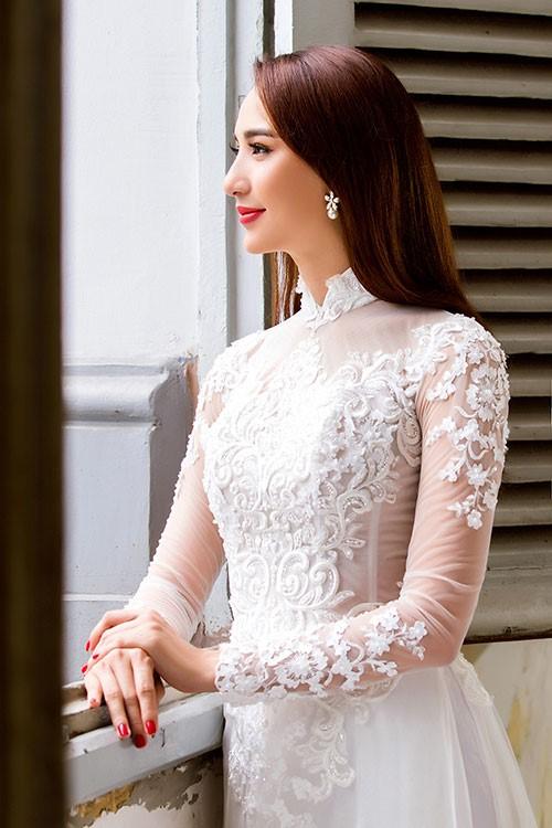 áo dài phong cách cổ điển