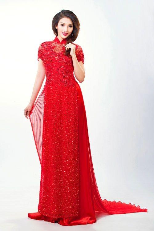 áo dài cô dâu màu đỏ đính đá