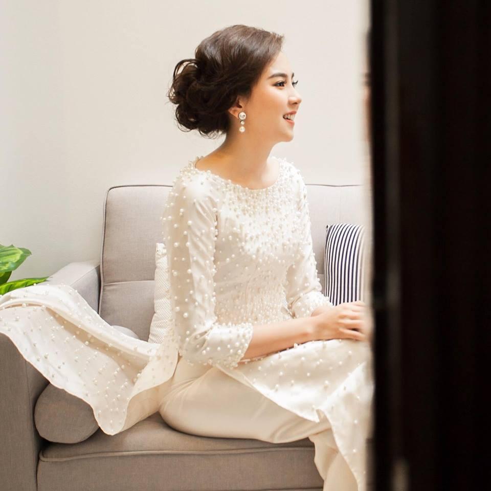 áo dài cô dâu đính ngọc trai