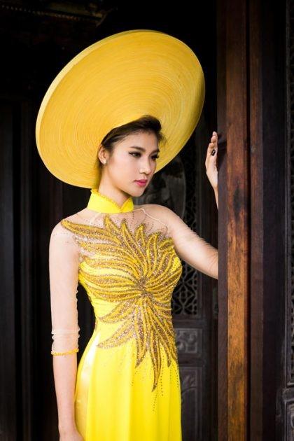 thiết kế áo dài họa tiết ánh kim
