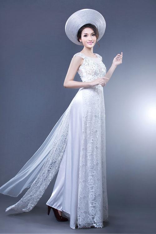 áo dài truyền thống màu trắng