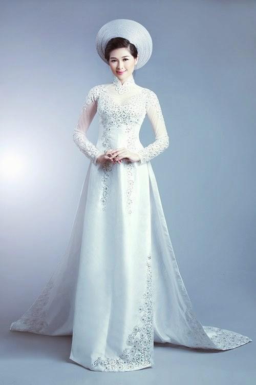 áo dài màu trắng đính cườm 2018