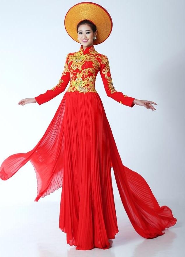 áo dài tà xếp ly đỏ