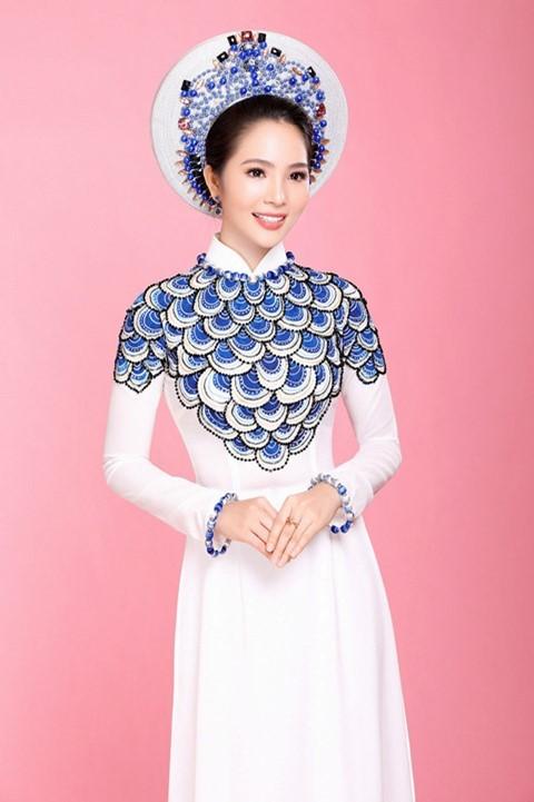 áo dài đính đá xanh