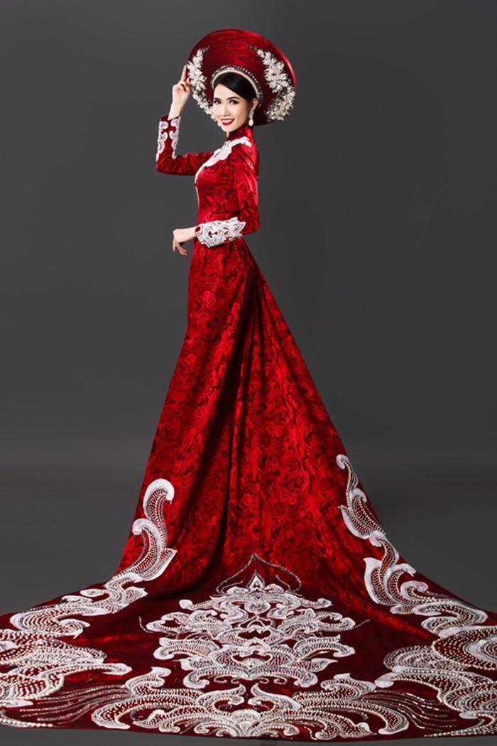 các kiểu áo dài màu đỏ trong lễ cưới