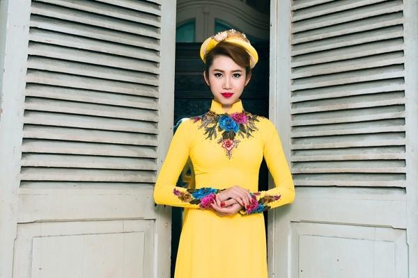 có nên mặc áo dài màu vàng trong đám cưới