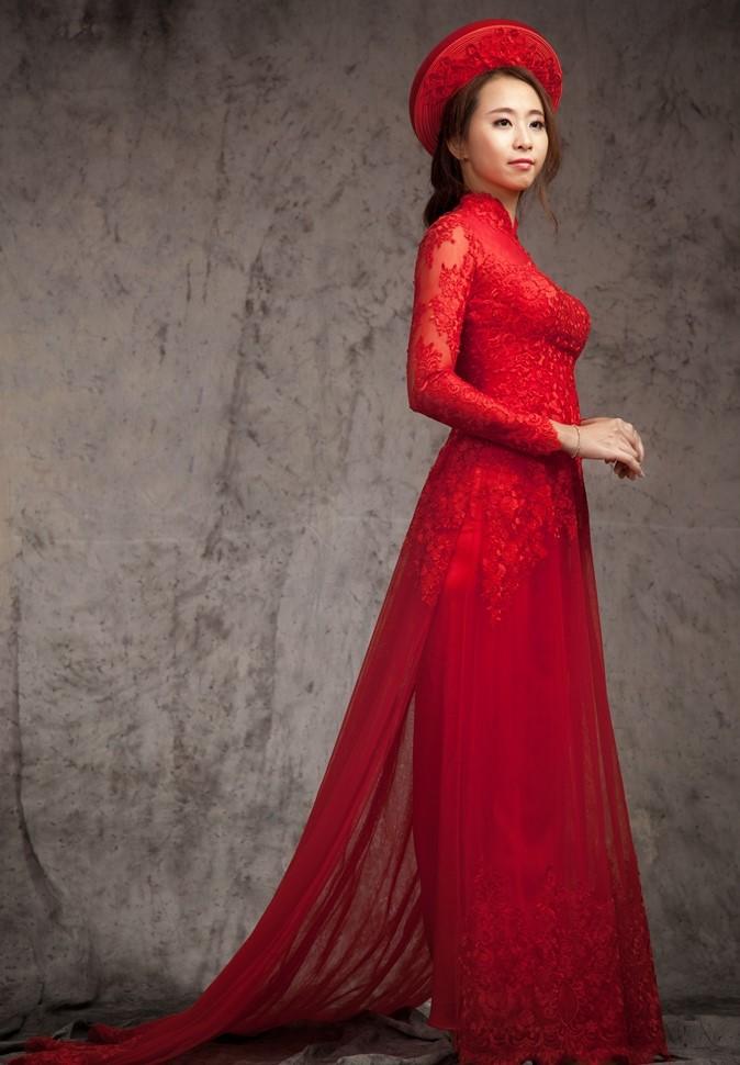 hình ảnh áo dài đỏ cô dâu