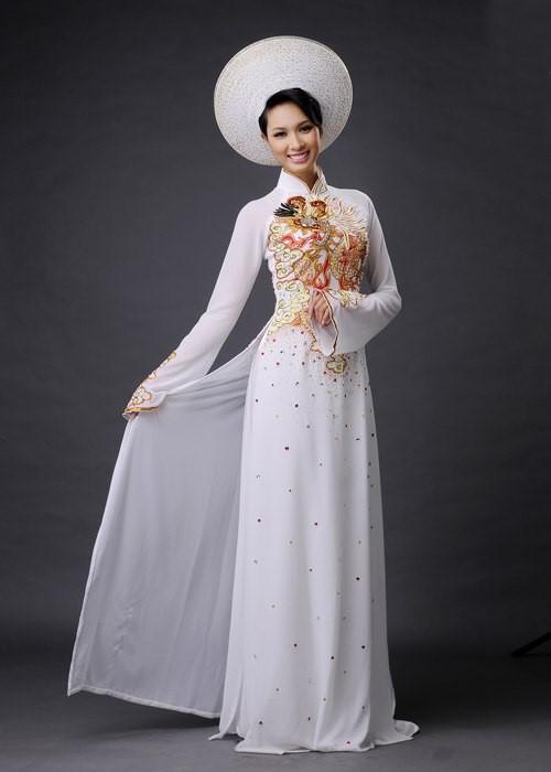 hình áo dài giống váy cưới