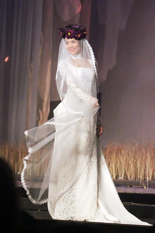 khăn voan cô dâu mặc áo dài