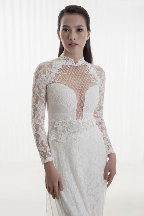 mẫu áo dài truyền thống màu trắng