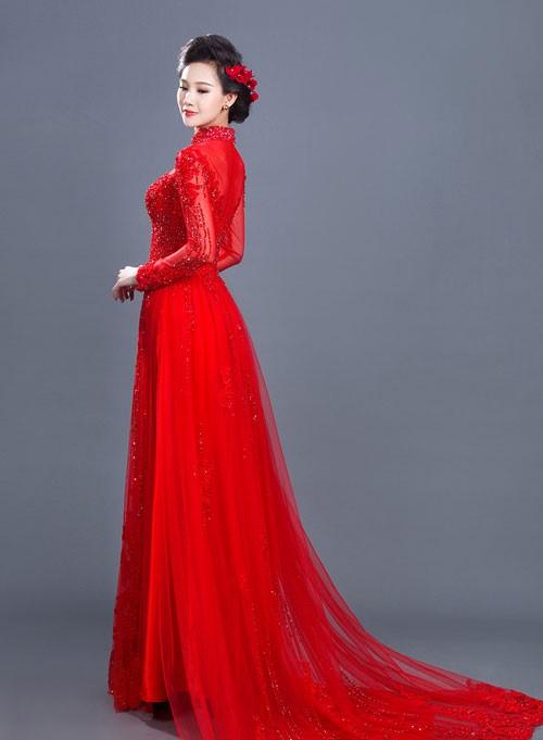 mơ thấy mặc áo dài màu đỏ