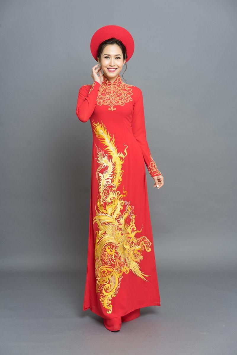 xu hướng những kiểu áo dài màu đỏ